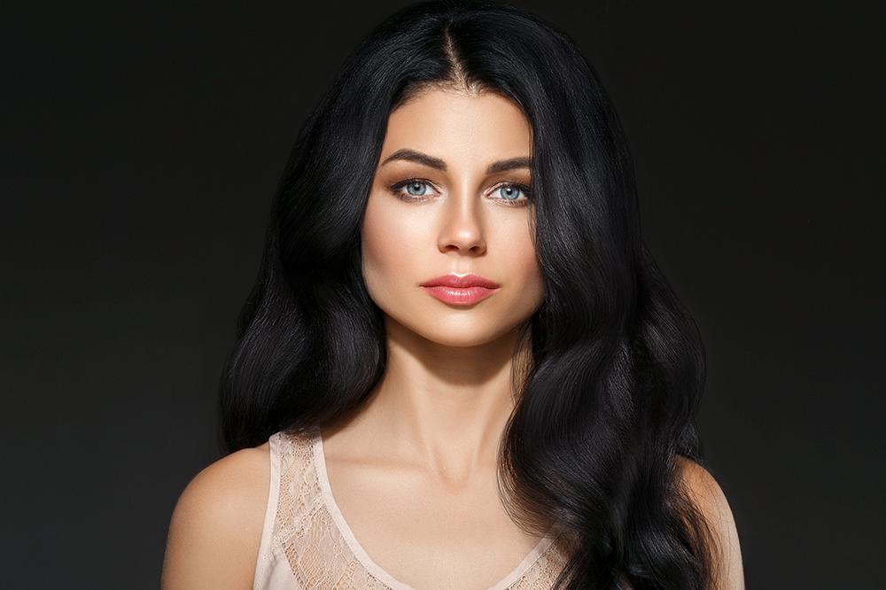 Haare mit normaler Porosität – alles, was Sie über die Pflege der normal porösen Haare wissen sollen