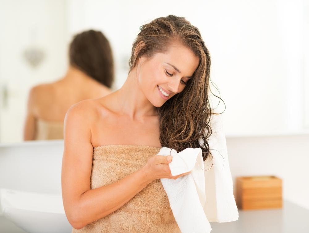 Schöne Haare ohne Spaß: womit sollten Sie die wirksame Regeneration der Haare beginnen?