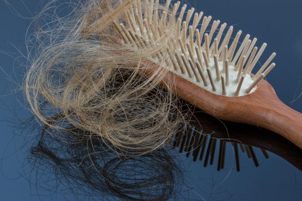 Alles klar mit dem Haar! 9. Teil: Pflege der ausfallenden Haare