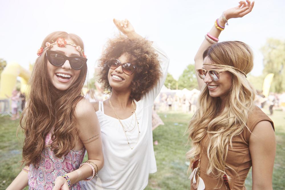 Im Sommerrhythmus! Beste Frisuren für Festivals (und nicht nur!)