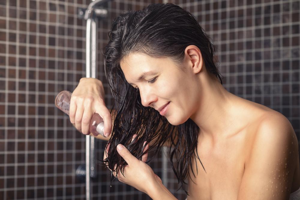 Einölen der Haare – aber wie? Lernen Sie die Methoden der asiatischen Haarpflege kennen