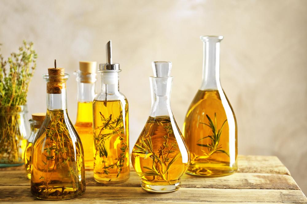 Natürliche Öle – beste Regeneration der Haare